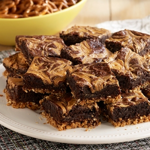 peanut-butter-pretzel-brownies